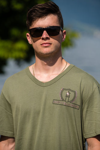 "ELEGANT LINE MEN'S V-NECK T-SHIRT ""MILITARY GREEN"""