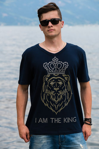 "EXCLUSIVE LINE MEN'S ""I AM THE KING"" V-NECK T-SHIRT ""MARINE BLUE"""