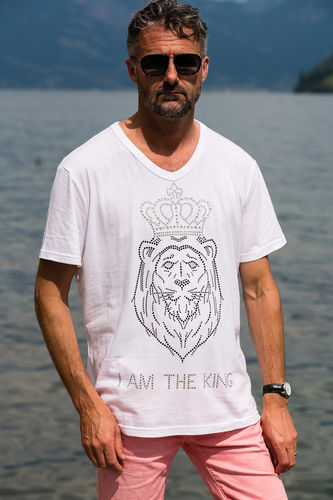 "EXCLUSIVE LINE MEN'S ""I AM THE KING"" V-NECK T-SHIRT ""WHITE"""
